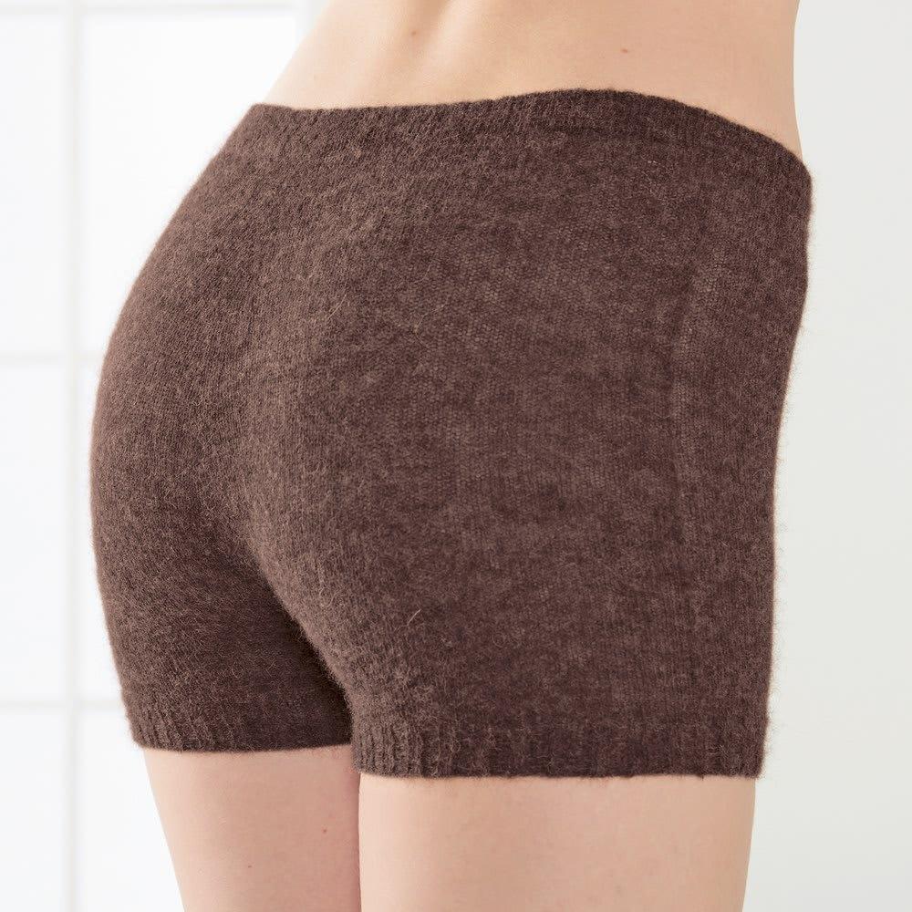 アルパカ混シリーズ 毛糸のホールガーメントパンツ(日本製) (イ)ブラウン やわらかいニットでお腹の周りから、すっぽりと包んでくれるので、下半身を冷やしません。