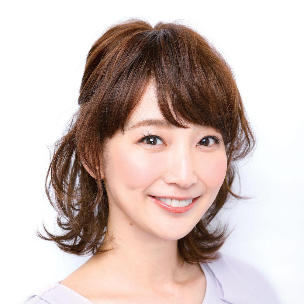 坂巻哲也ヘアコサージュ ナチュラルグレイスボブ (ヘアアレンジ例)両サイドの髪をラフに留めて、トップの髪をつまめば、若々しいハーフアップスタイルに。