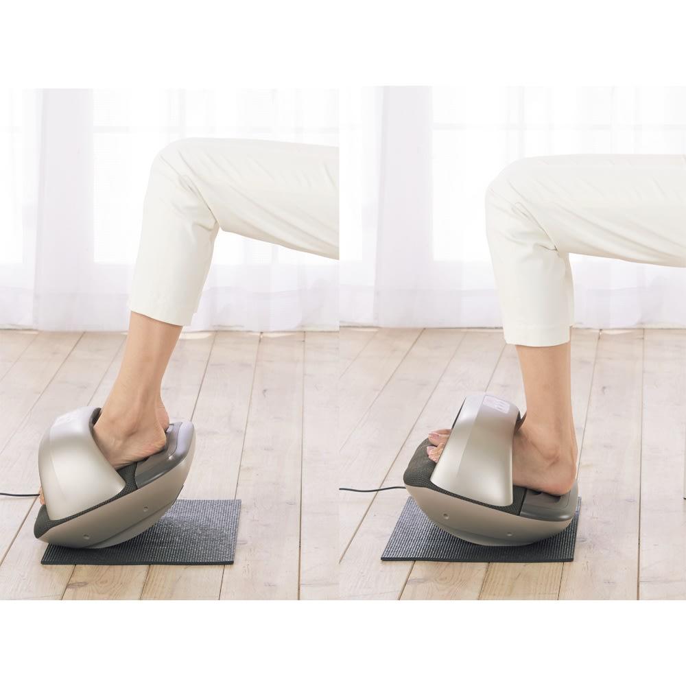 トライウォーカー Point2 前後に揺らすことで、スネ・ふくらはぎまで鍛える! 本体を前後に揺らすローリングで足首のストレッチに。つま先を上げてスネの筋肉を刺激、つまずきにくく。ふくらはぎを伸縮して足の蹴り出しをスムーズに。動かし鍛えることで、歩行や階段がラクになります。