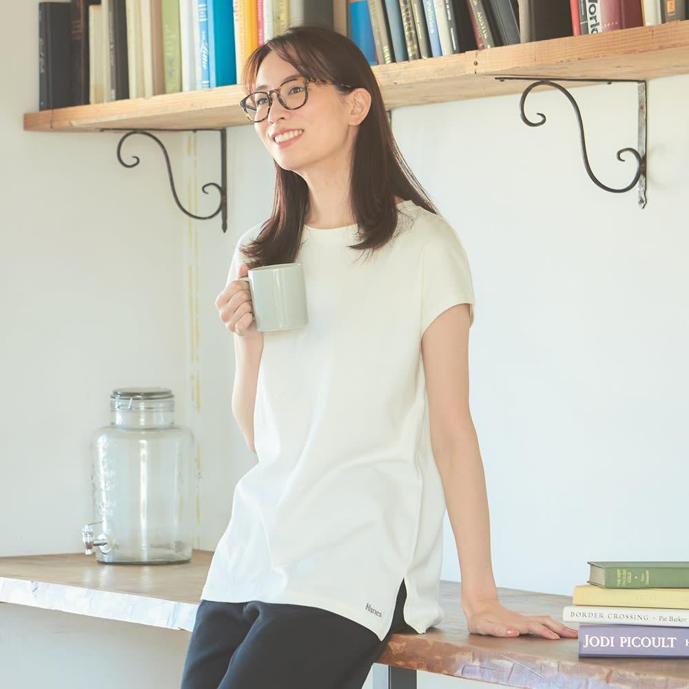 Hanes/ヘインズ 多機能ノースリーブTシャツ (ウ)オフホワイト・・・コーディネート例