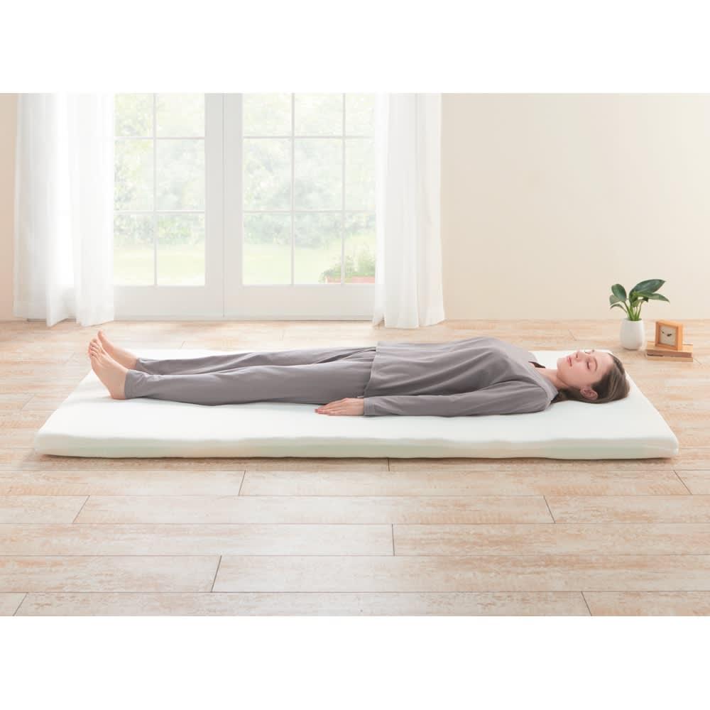 オクタスプリングマット 体の部位に合わせて硬さの異なるスプリングを配置することによって良い寝姿勢と体圧が分散。体への負担を軽減します。(ベッド・ベッドマットレスは商品ではありません。中素材の色・配列は実際の商品と異なります)