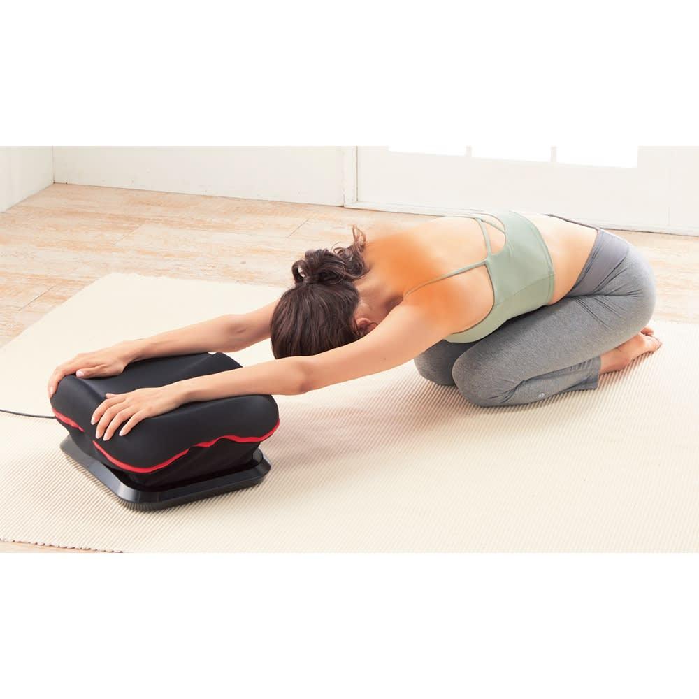 ツイストライド 腕をのせれば肩周りのストレッチにも! 在宅時間が長くなり固まりやすい肩周りはツイストライドでリフレッシュ。