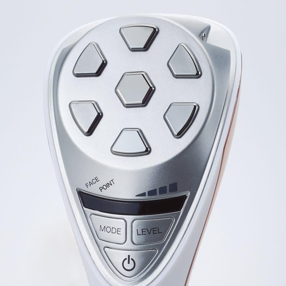リフトケア美顔器 ルクセア ヴィサージュ 大小2つのヘッドで見逃しがちなところもケア 垂れた頬やもたつきが気になるフェイスラインなど顔の広いところに使用するフェイスヘッド48mm。