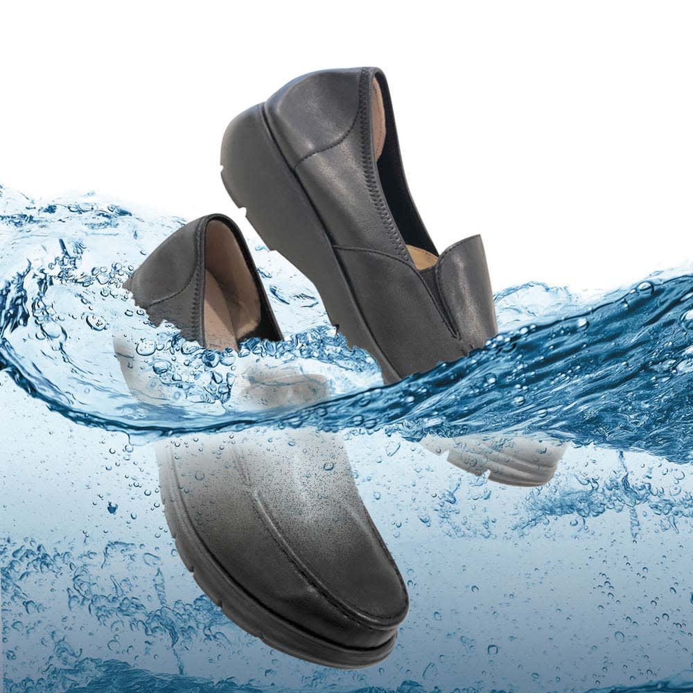 RakkuRakku/ラックラック 空飛ぶ洗えるローファー 雨や汚れに強いはっ水加工。水洗いもOK。