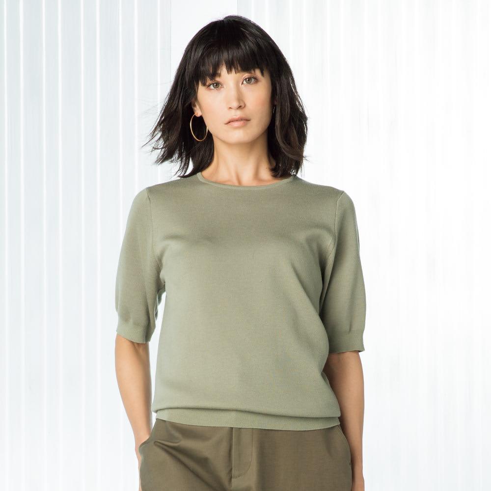ウールスムース編み 半袖 ニットプルオーバー (ア)セージグリーン 着用例