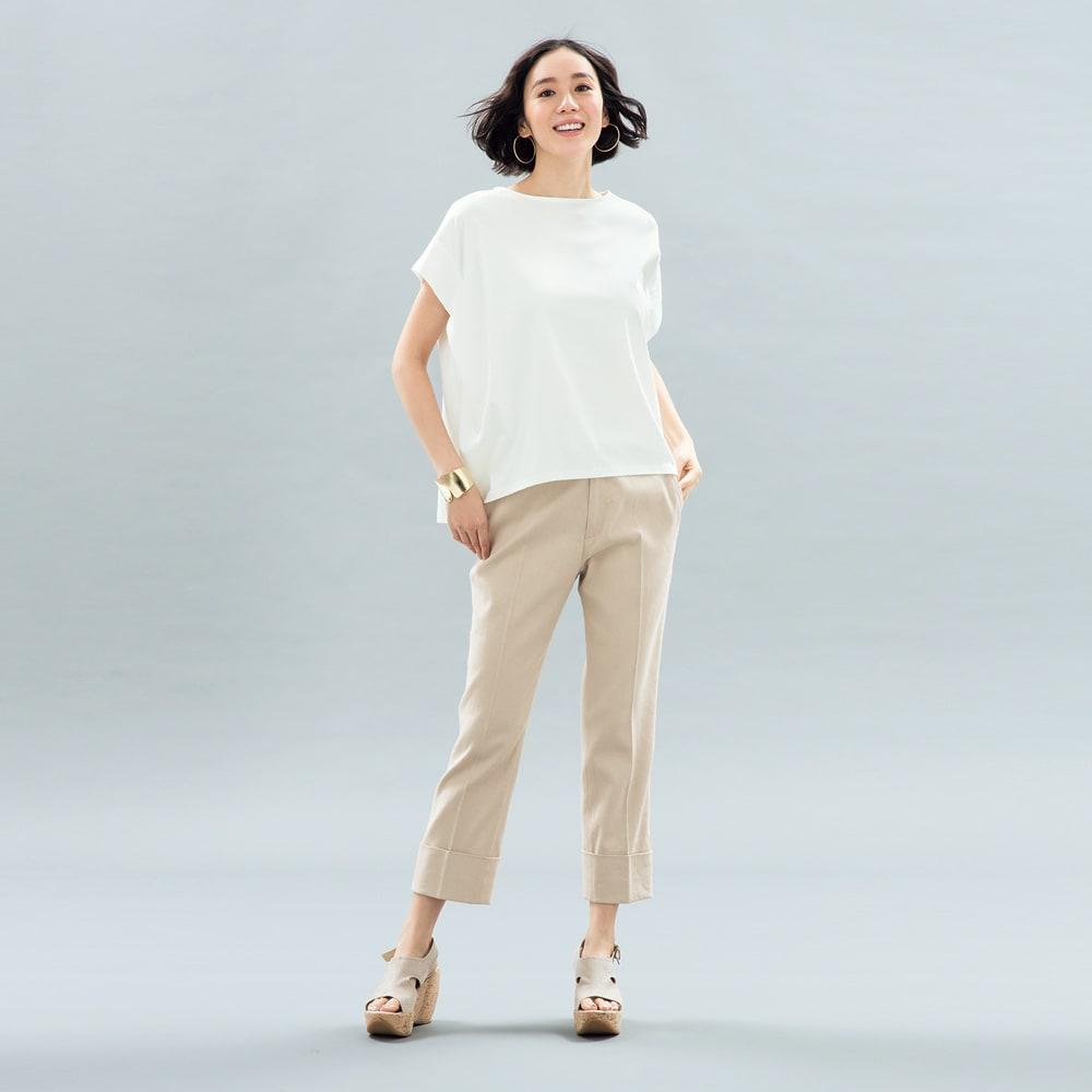 コンパクトコットン タック使い フレンチスリーブ Tシャツ (ア)オフホワイト コーディネート例