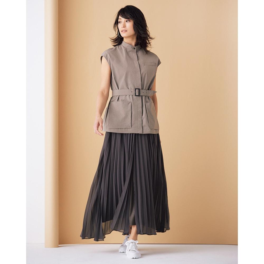 レイヤードデザイン プリーツ ロングスカート (イ)グレイッシュブラウン×ブラウン コーディネート例