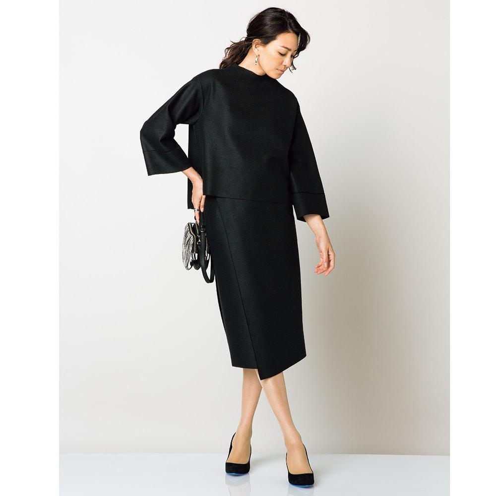 圧縮ウールジャージー ラップ風Iラインスカート (ア)ブラック コーディネート例