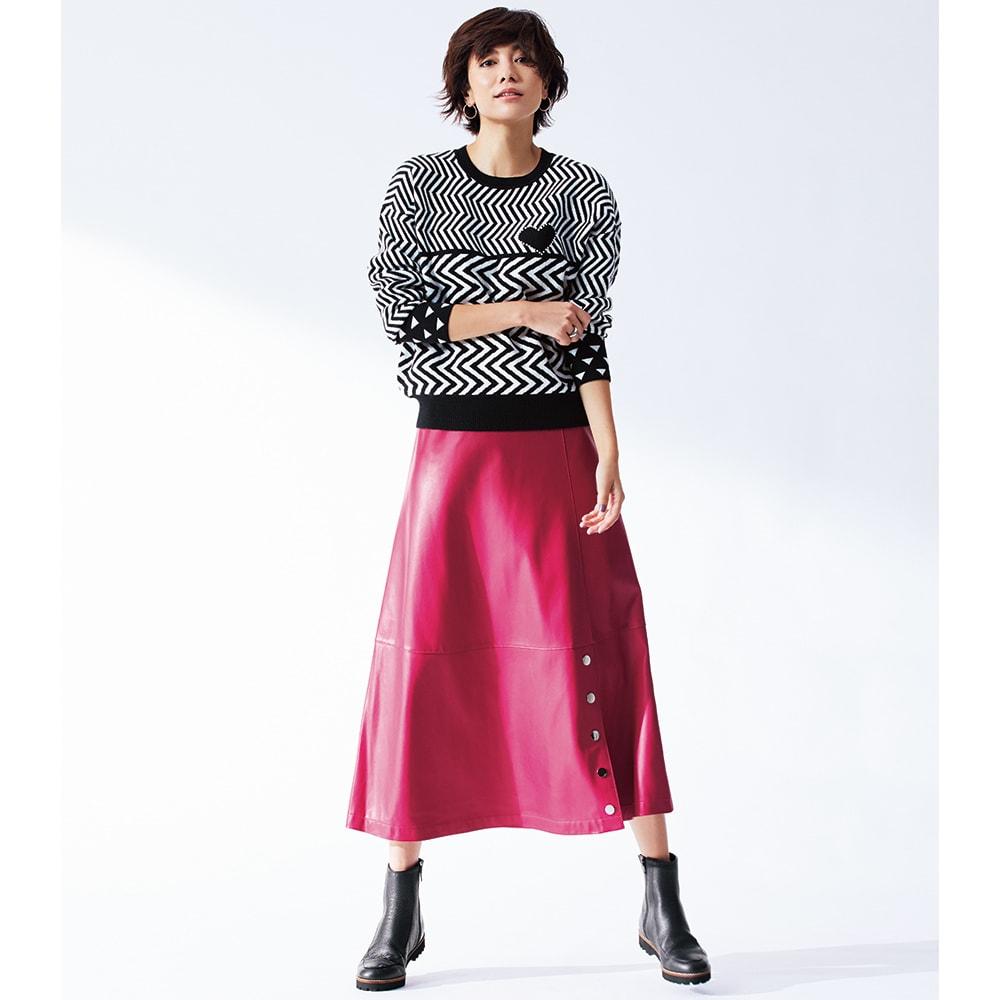 ハート ジャカード ニットプルオーバー コーディネート例 /きれい色スカートの攻略はモノトーン配色ニットにお任せ