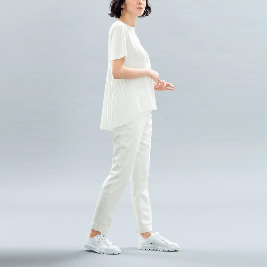 リヨセル混 センタープレス デニム風パンツ (ア)オフホワイト コーディネート例