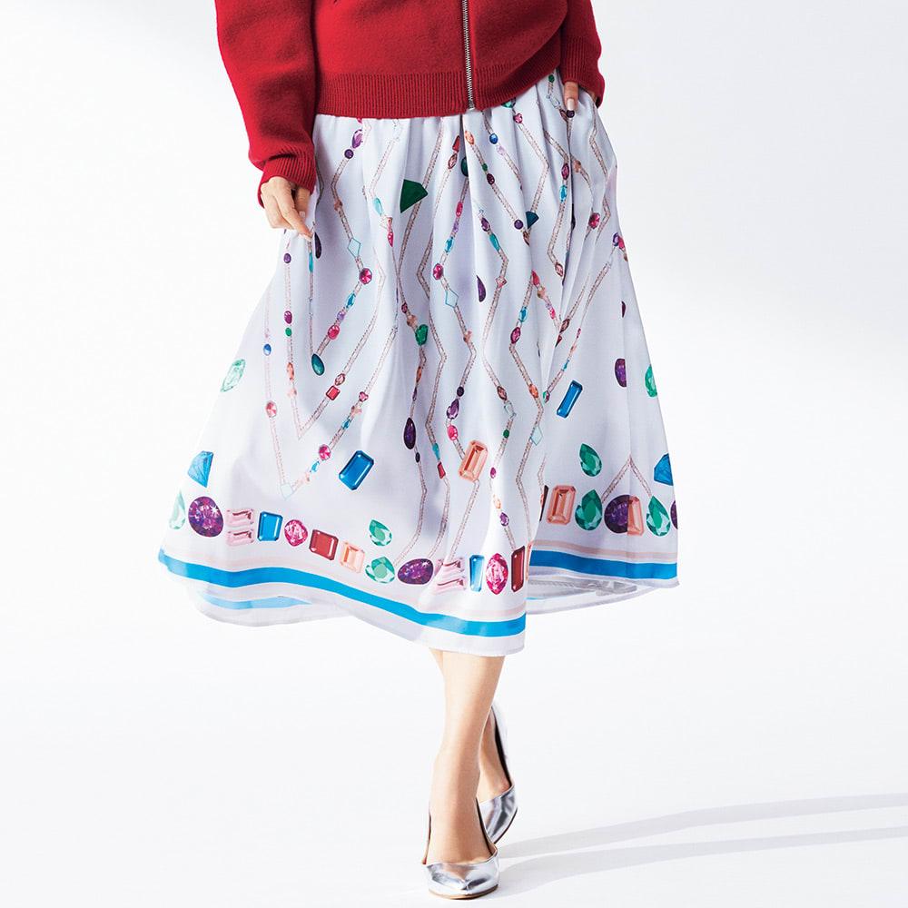 宝石柄 フレアースカート 着用例