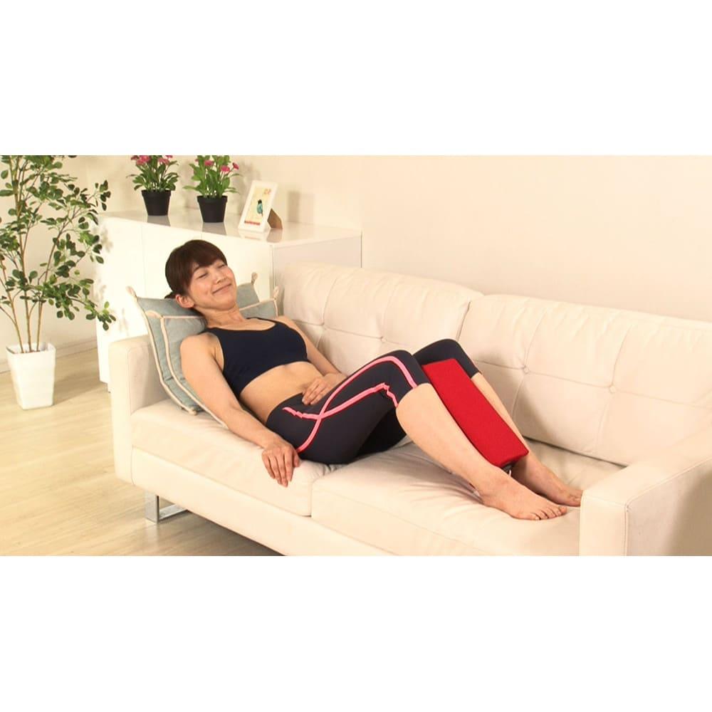ジェットスリムボディ ソファでリラックスしながらしっかり内転筋が鍛えられます。