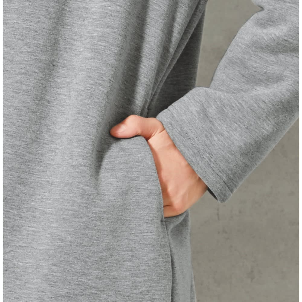 裏ボアフード付きコート 両サイドに便利なポケット付き