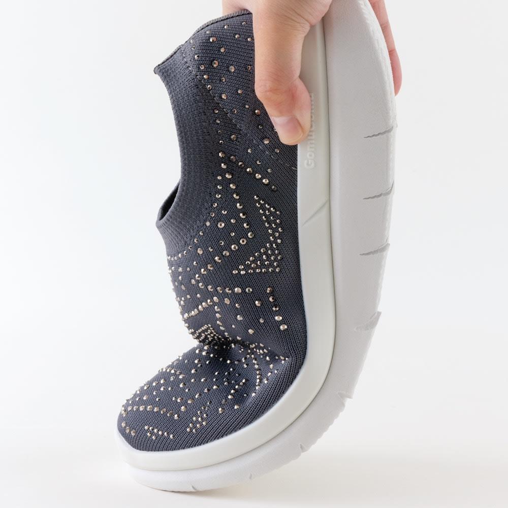 GOMUGOMU/ゴムゴム スタースリッポン 切込みソールで厚底でも屈曲性が高く歩きやすい