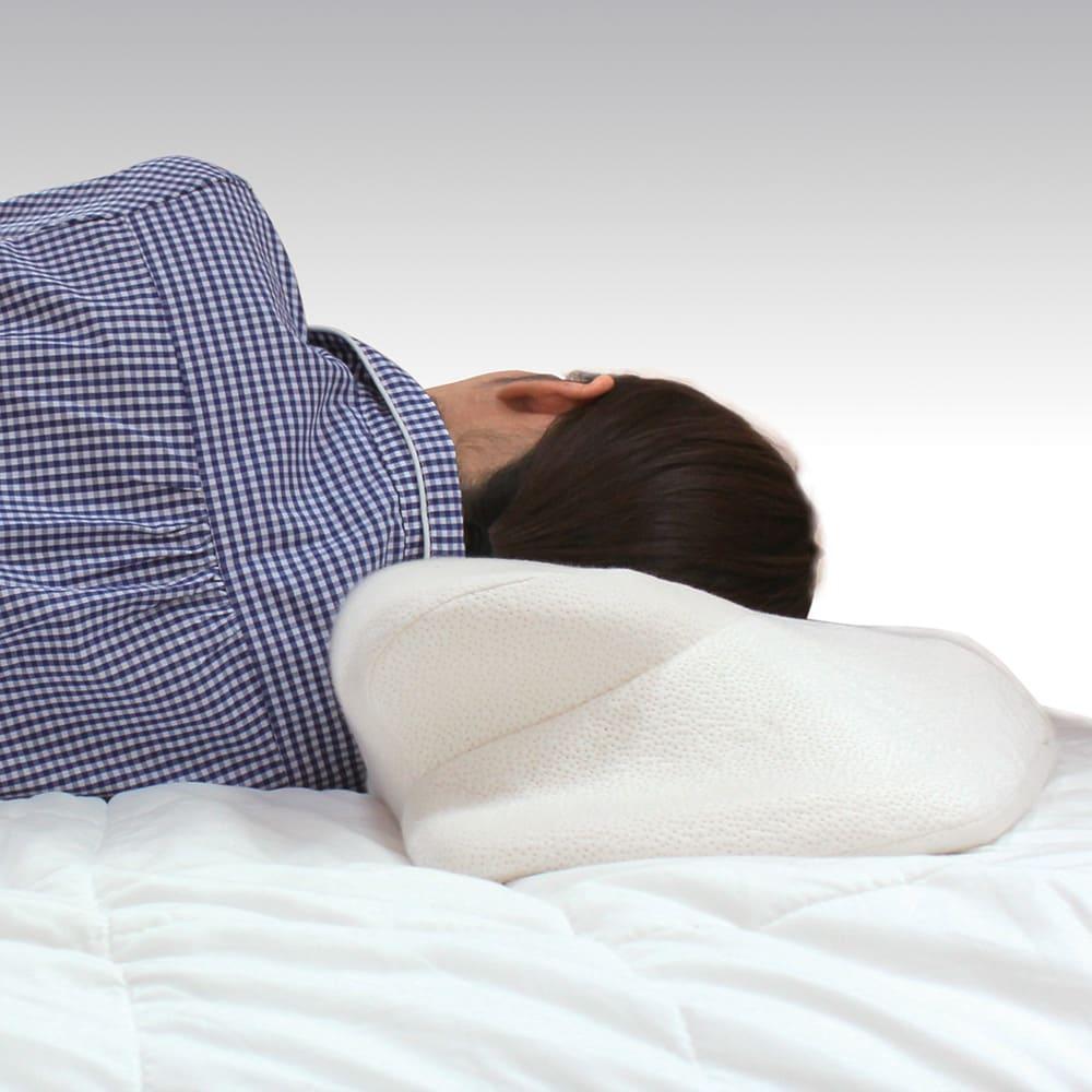 自然体で眠れる枕 カバー2枚付きのお得なセット 横向きでも美しい寝姿勢をキープ