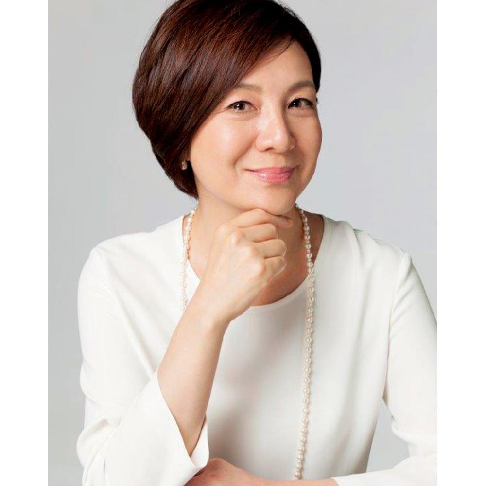 TSUDA SETSUKO スキンバリアバーム 18g 津田攝子さん 20年前、自身のニキビ経験から開発した『フィルナチュラント』はドクターズコスメの先駆けとして話題に。独立後に立ち上げた自身のブランドも、美容のプロたちの評価が高い。美容誌のコスメ賞を多数受賞している。