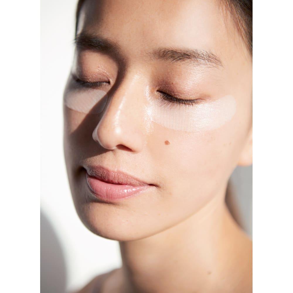 MICHIKO.LIFE/ミチコドットライフ ヒアロニードシート(左右2枚×4セット) 就寝前に、目元など気になる部分に貼るだけ。