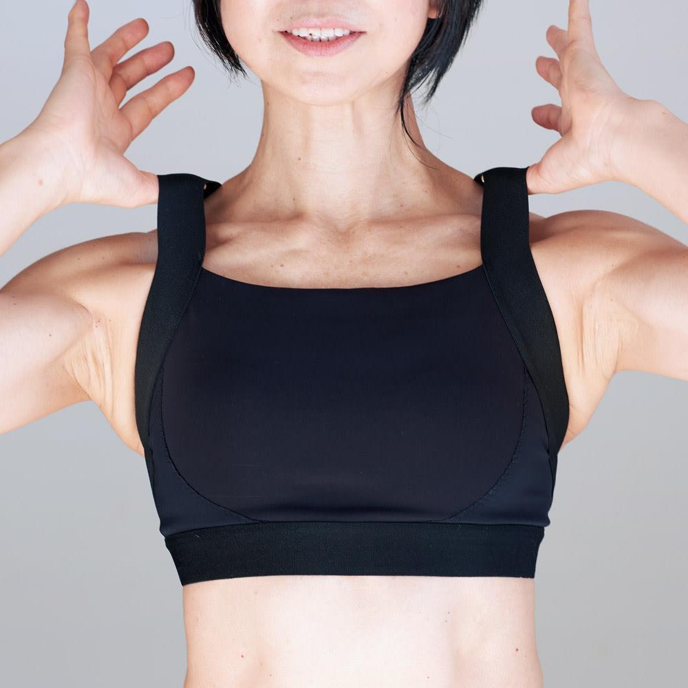 美姿勢ウェア Right Fit サイズが選べるトップス ショート+ボトムス ロングのセット 大胸筋が開きバストが引き上がるよう、ベストな肩紐角度に。