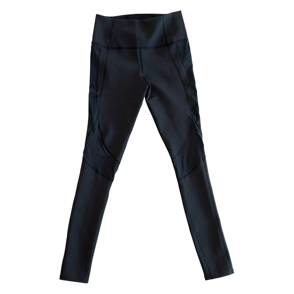 美姿勢ウェア Right Fit サイズが選べるトップス ショート+ボトムス ロングのセット FRONT 大腿筋を外旋方向へ導き、太もも前面の負担を軽減。美しい歩行姿勢を目指す設計です。