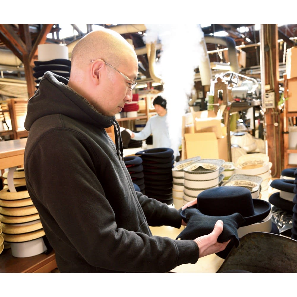 ラフィア帽 老舗の帽子職人が一点一点手作り。