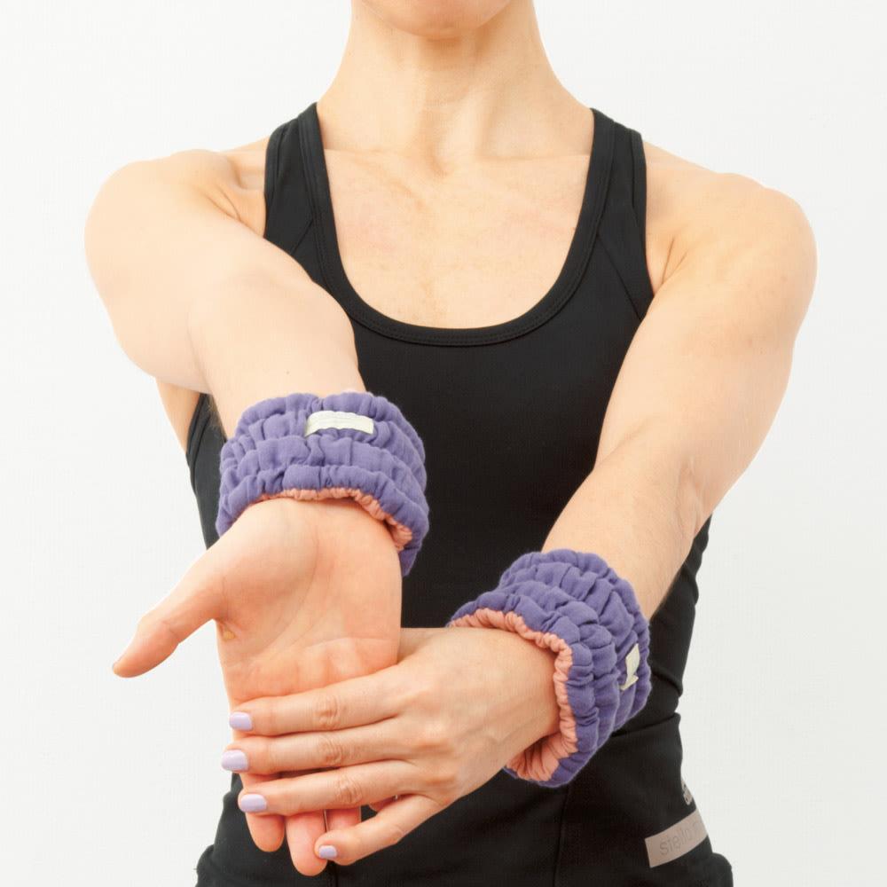 イオンドクター ボタニカルカラー 手首・足首ハーフウォーマー 2本組(巾着付き) 眠る前の2つのポーズで効果UP!手首&腕をリリース