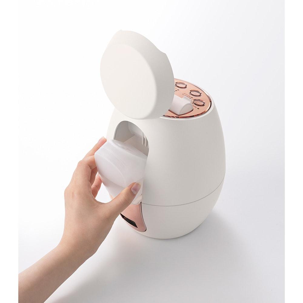 クリアスキン ナノスチーマー タンクは約150mlの容量で、たっぷりスチームを使えます(水道水または精製水を入れてください)