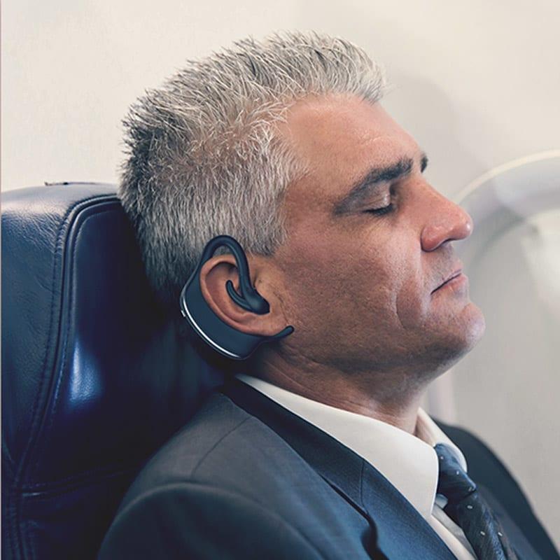いびきケアアイテム スマートスノアストッパー「スノアサークル」 飛行機の中や電車の中で長時間の移動中、眠ってしまったらいびきをかいて恥ずかしい思いをした…そんな経験のある方でもお使いいただけます。