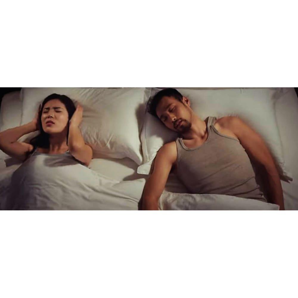 いびきケアアイテム スマートスノアストッパー「スノアサークル」 隣で寝ているパートナーのいびきがうるさくて眠れない…そんなお悩みに応えるいびきケアアイテムです。
