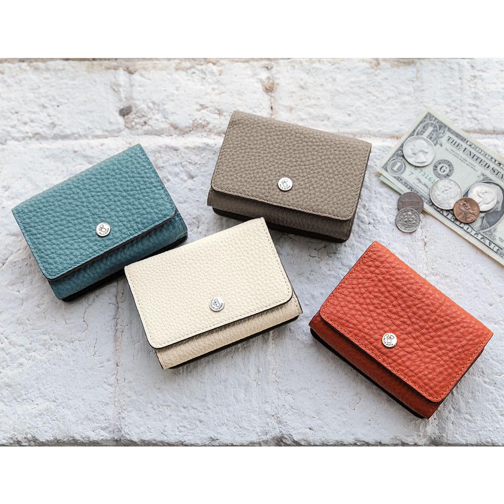 PELLE BORSA/ペレボルサ フラット3つ折り財布 左から時計回りに (ウ)ターコイズ(ア)トープ(イ)オレンジ(エ)ホワイト