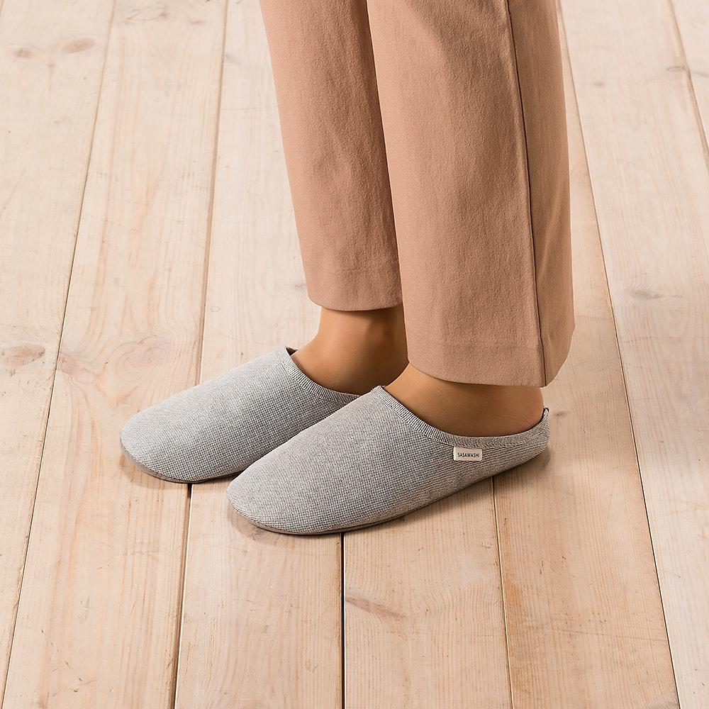 ササワシ ルームシューズ (Mサイズ・Lサイズあり) 足を程よく覆うスタイルで脱げにくくおしゃれ。
