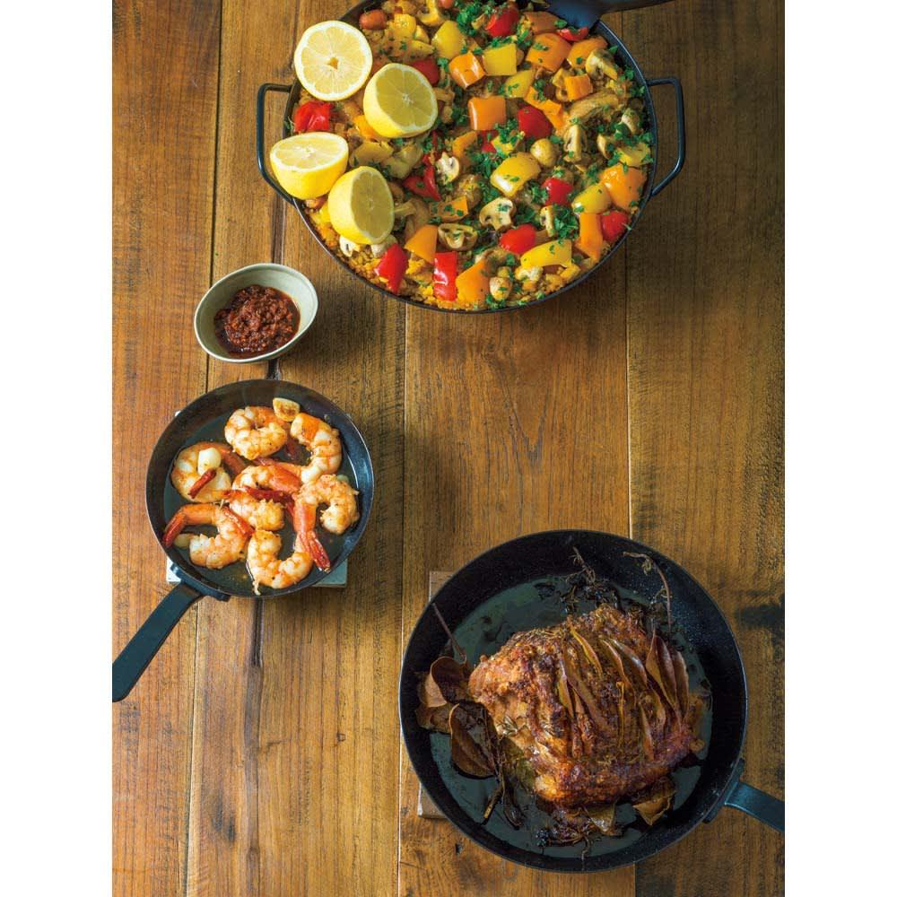 有元葉子の鉄のフライパン 片手径18cm レシピ 「パエリア」「エビのアヒージョ」「豚肉のロースト」のレシピをWebでご紹介しています。 「有元葉子 ディノス」で検索してください。