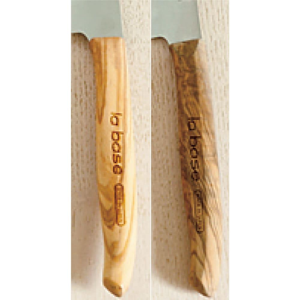 有元葉子のラバーゼ包丁 ペティナイフ 左が新品 右が有元さん愛用品 使うほど色がなじんできます。