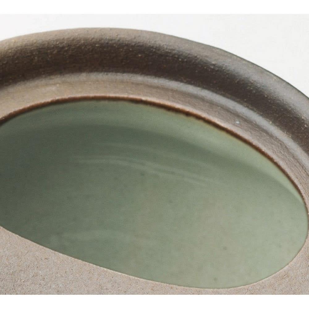 万古焼至高急須 容量450ml 本体内側はガラス質仕上げで、茶渋がつきにくく、茶葉も水で簡単に洗い流せます。
