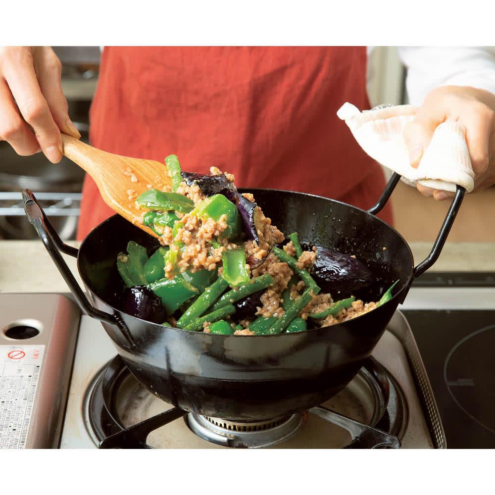 鉄の揚げ鍋3点セット このような炒め煮にも活躍します