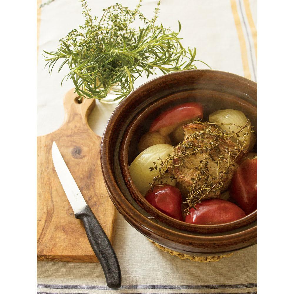 ロースト土鍋 そのまま食卓に出せる美しいデザイン