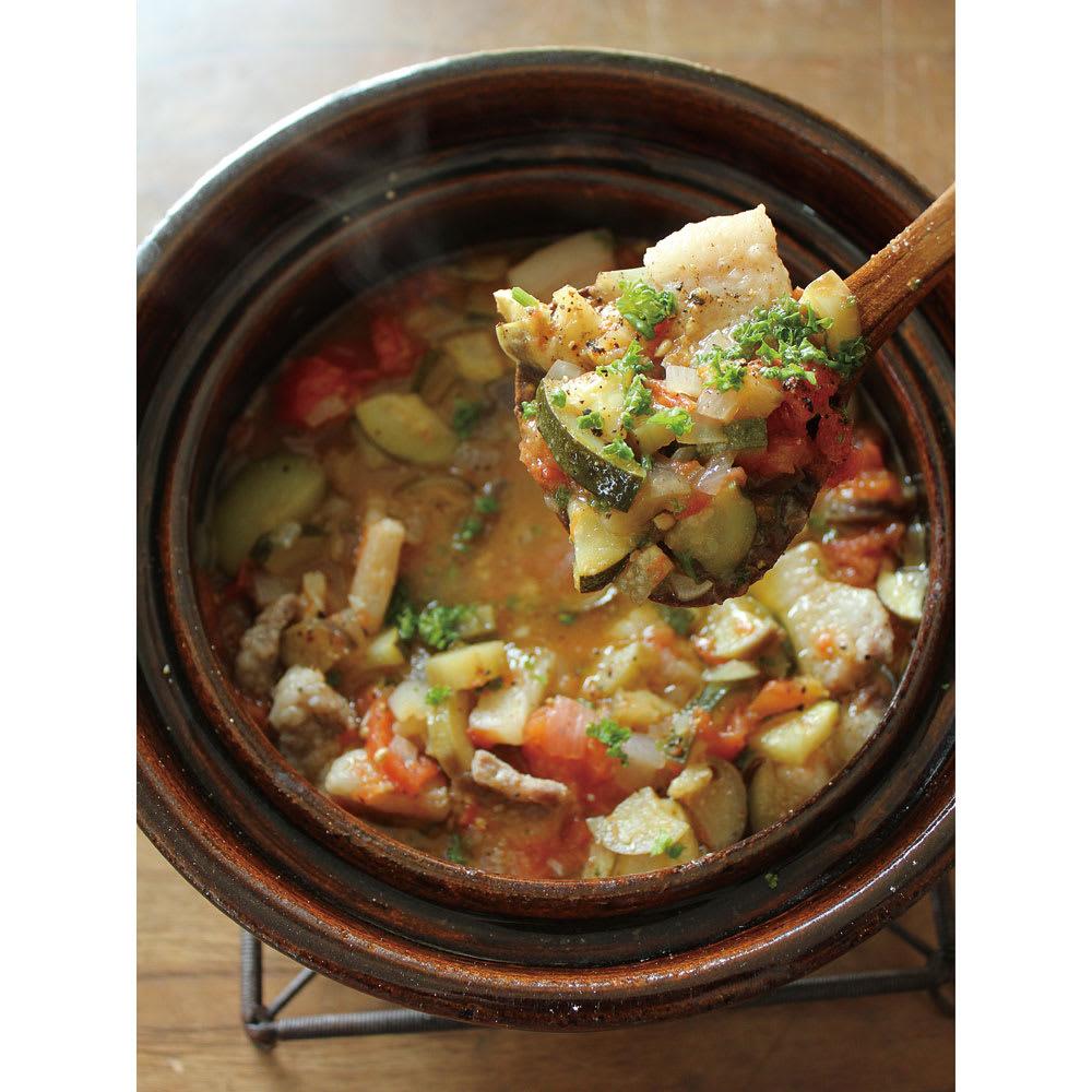 ロースト土鍋 野菜の水分だけを使ったミネストローネ。体に染み渡る味わい。