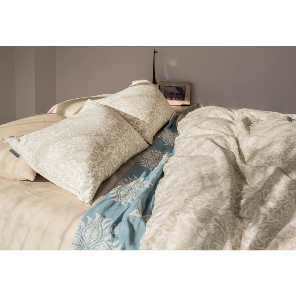 ボーテ 麻ベッドシーツ コーディネート例(イ)ベージュ ※お届けはベッドシーツです。