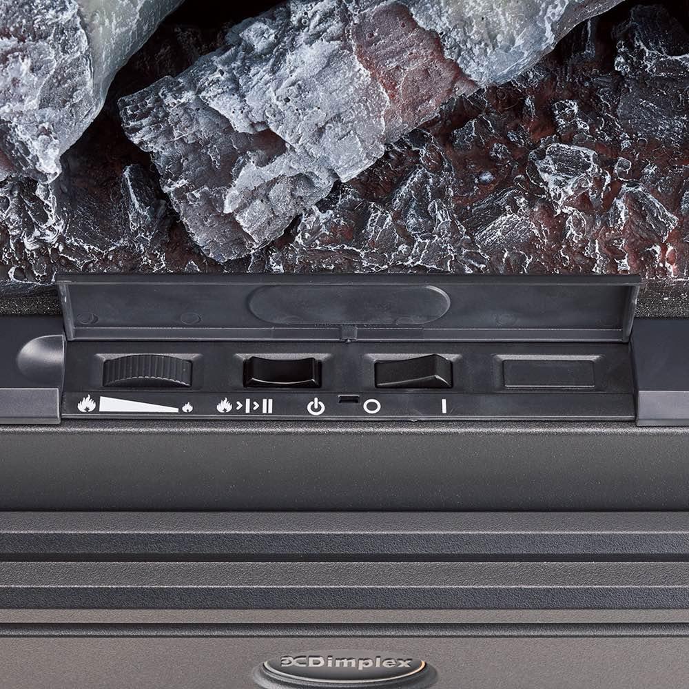 ディンプレックス 暖炉型ファンヒーター ウィローブルーク 扉内部のスイッチ。ヒーター強弱、炎のみの切り替えなど操作は簡単。