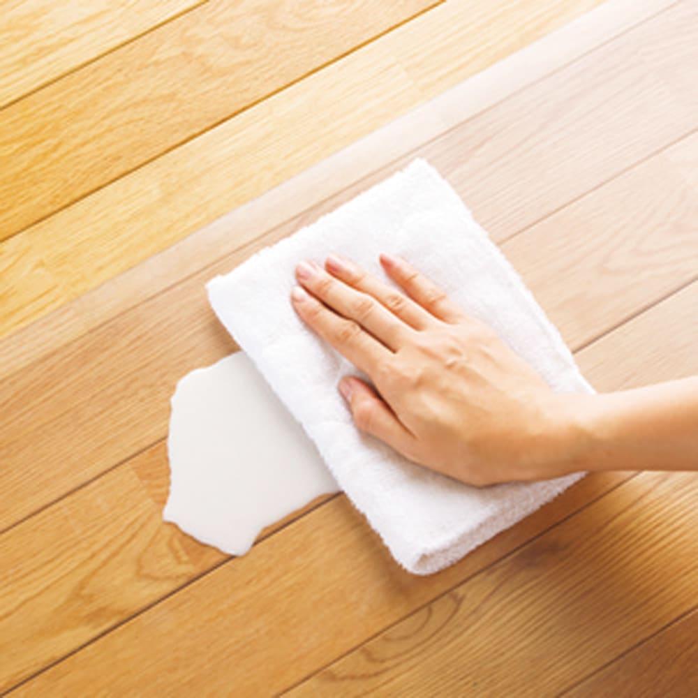 アキレス 透明キッチンフロアマット(抗菌仕様)奥行60cm 水ハネや油の汚れも、サッと拭くだけで、きれいに。洗面所やペットのトイレまわりにもおすすめです。