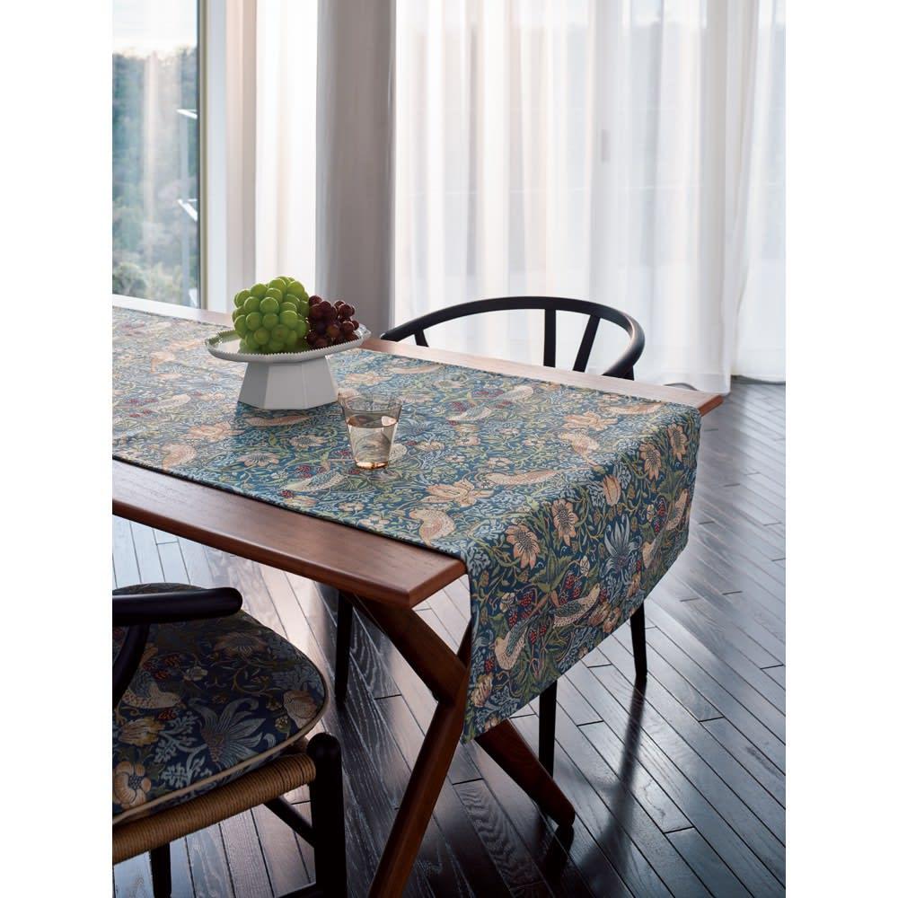 モリスデザインスタジオ ジャカード織 はっ水テーブルランナー〈いちご泥棒〉約64×180 (イ)ブルーグリーン