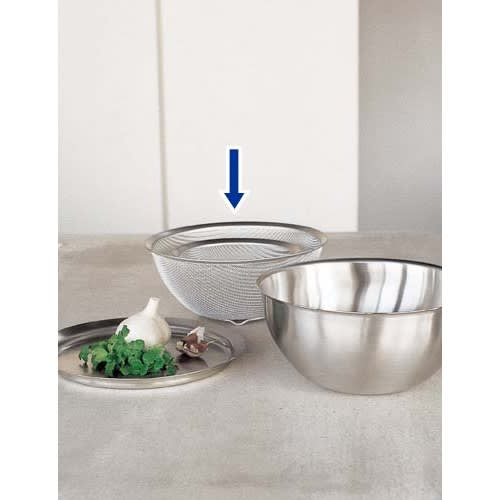 有元葉子のラバーゼ 丸ざる3点セット 同シリーズのボウルと併せれば調理効率がさらにアップ。