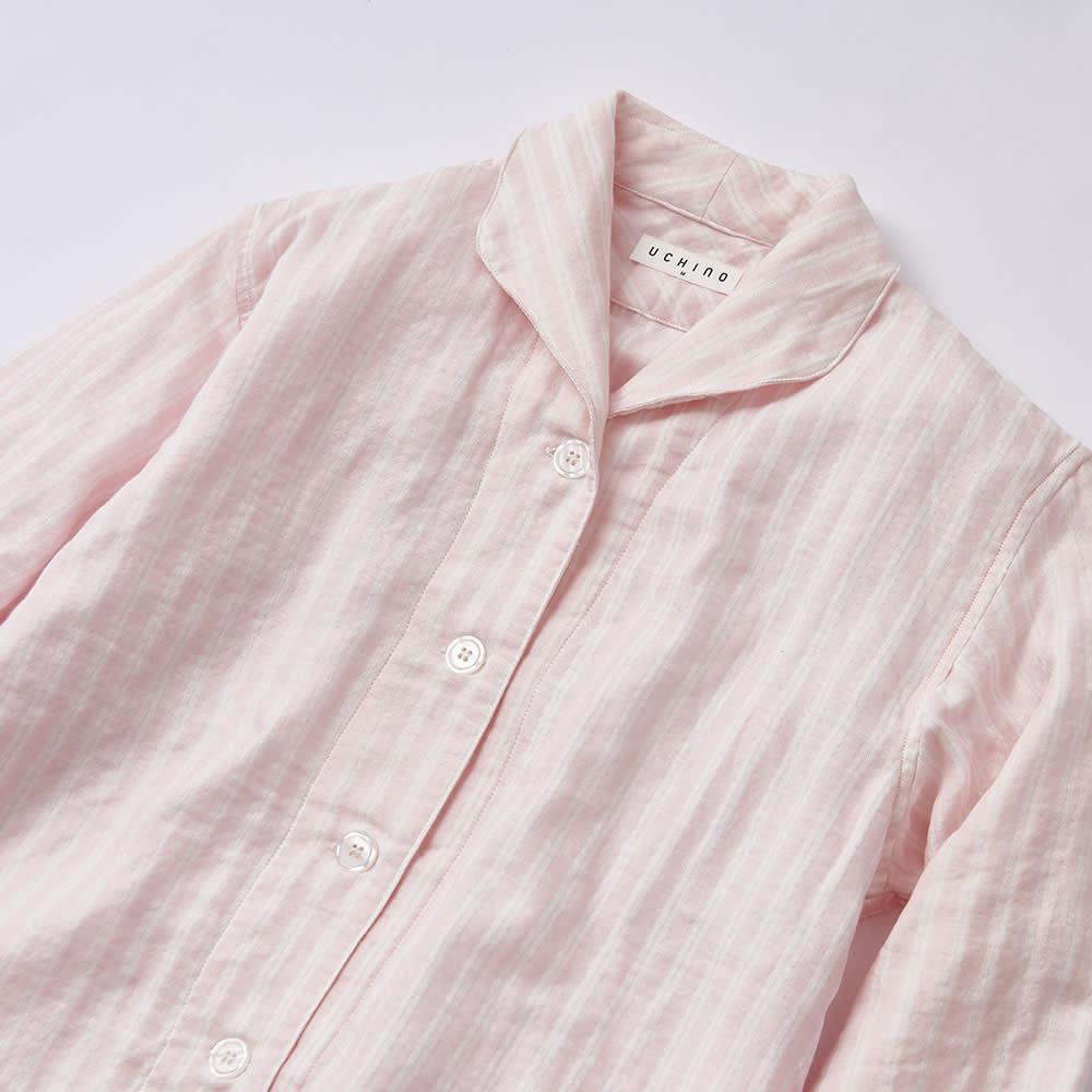 UCHINO(ウチノ) マシュマロガーゼパジャマ ダブルストライプ レディース (ア)ピンク レディースは優しいイメージの丸襟タイプ。胸ポケットなし。