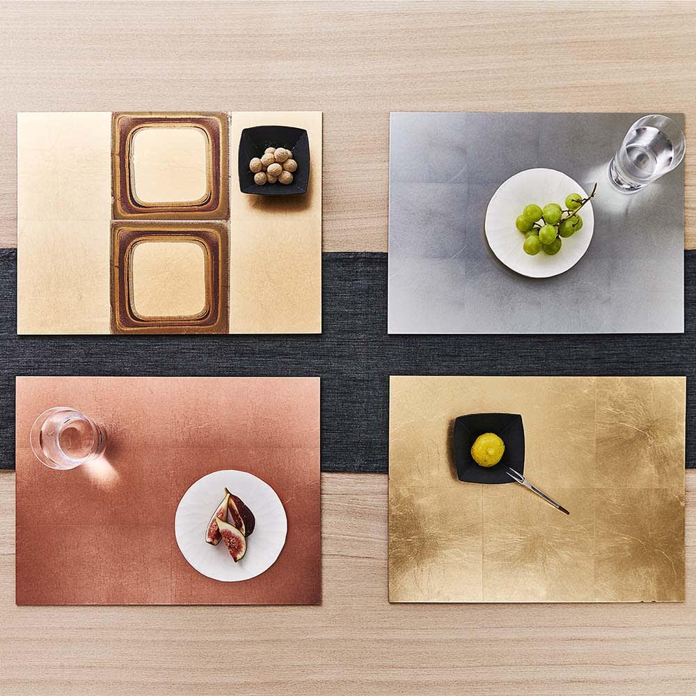 HAKU LA TABLE(ハク ラ ターブル) テーブルマット1枚(約30×40cm) 使用イメージ 写真左上:(エ)ゴールドグラデーション、右上:(イ)シルバー、左下:(ウ)コパー、右下:(ア)ゴールド