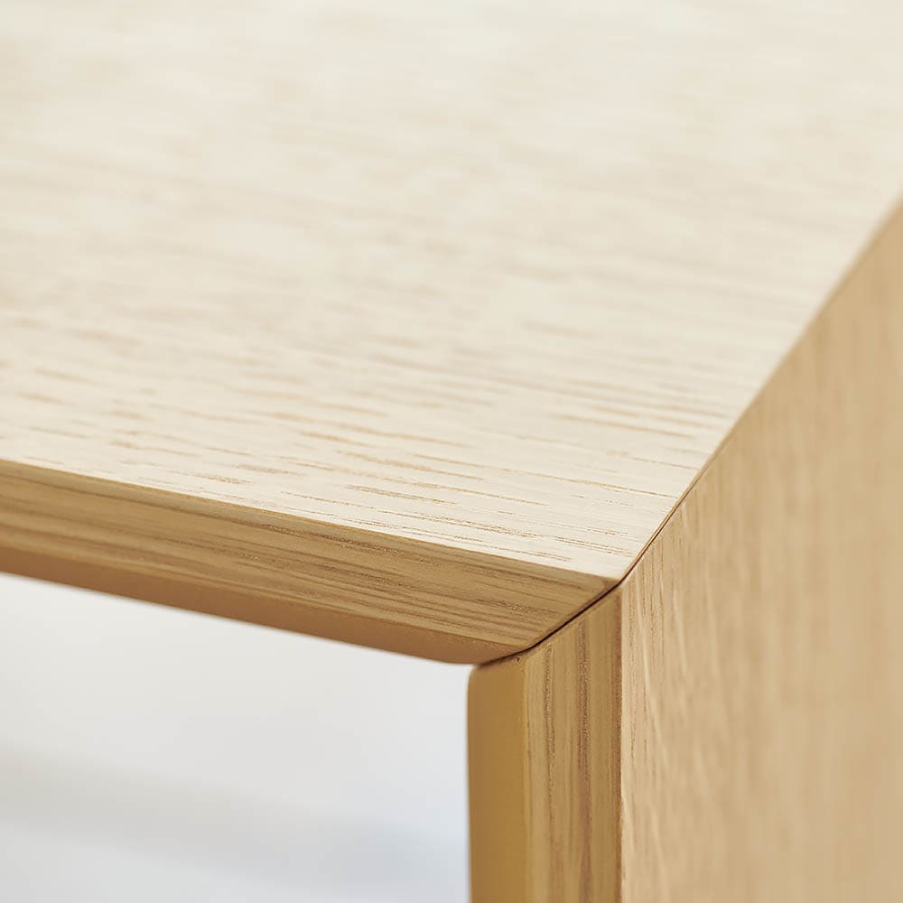 Slim すっきり折りたたみ可能なデスク 幅75cm 熟練の職人技が光る丁寧な作りで、かみ合わせもピタッと決まります。