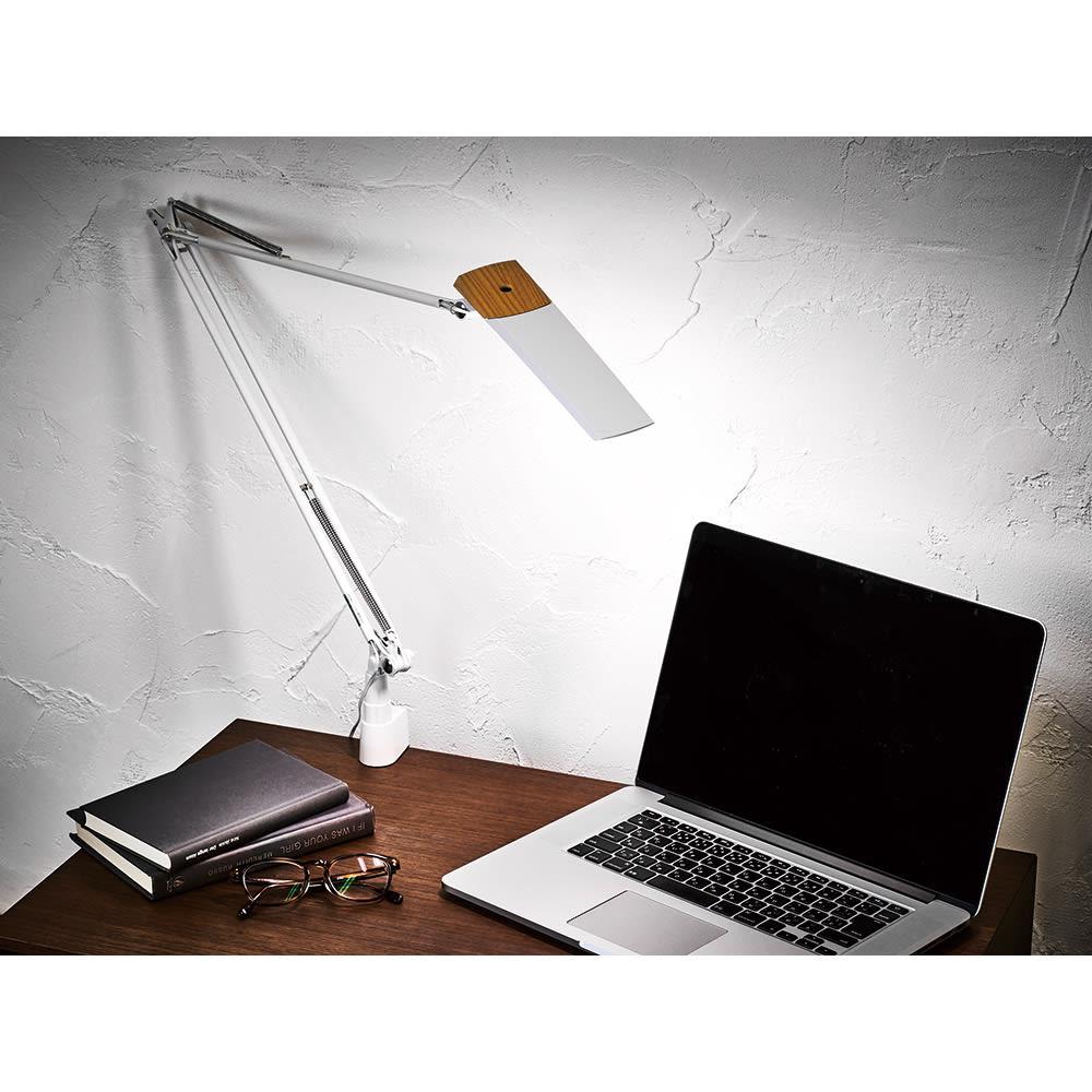 LEDエグザーム デスクライトDIVA(ディーバ) クランプタイプ (イ)ホワイト