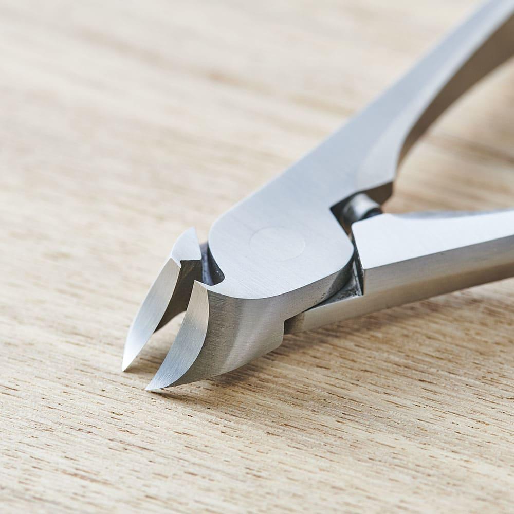 SUWADA(スワダ) つめ切り クラシック L カーブした刃は爪を丸く整えやすい。手足両方の爪に使えます。