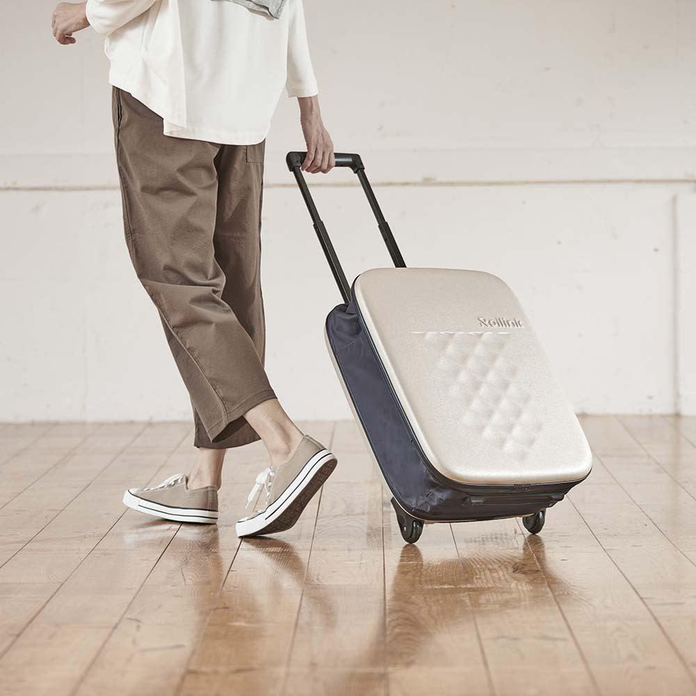 ROLLINK 薄くたためるスーツケース容量40L/機内持ち込みサイズ (イ)グレージュ系 ボディは丈夫なポリカーボネート製。マチ部分は防水ポリエステル生地で雨でも大丈夫。海外旅行から普段の買い物まで活躍。