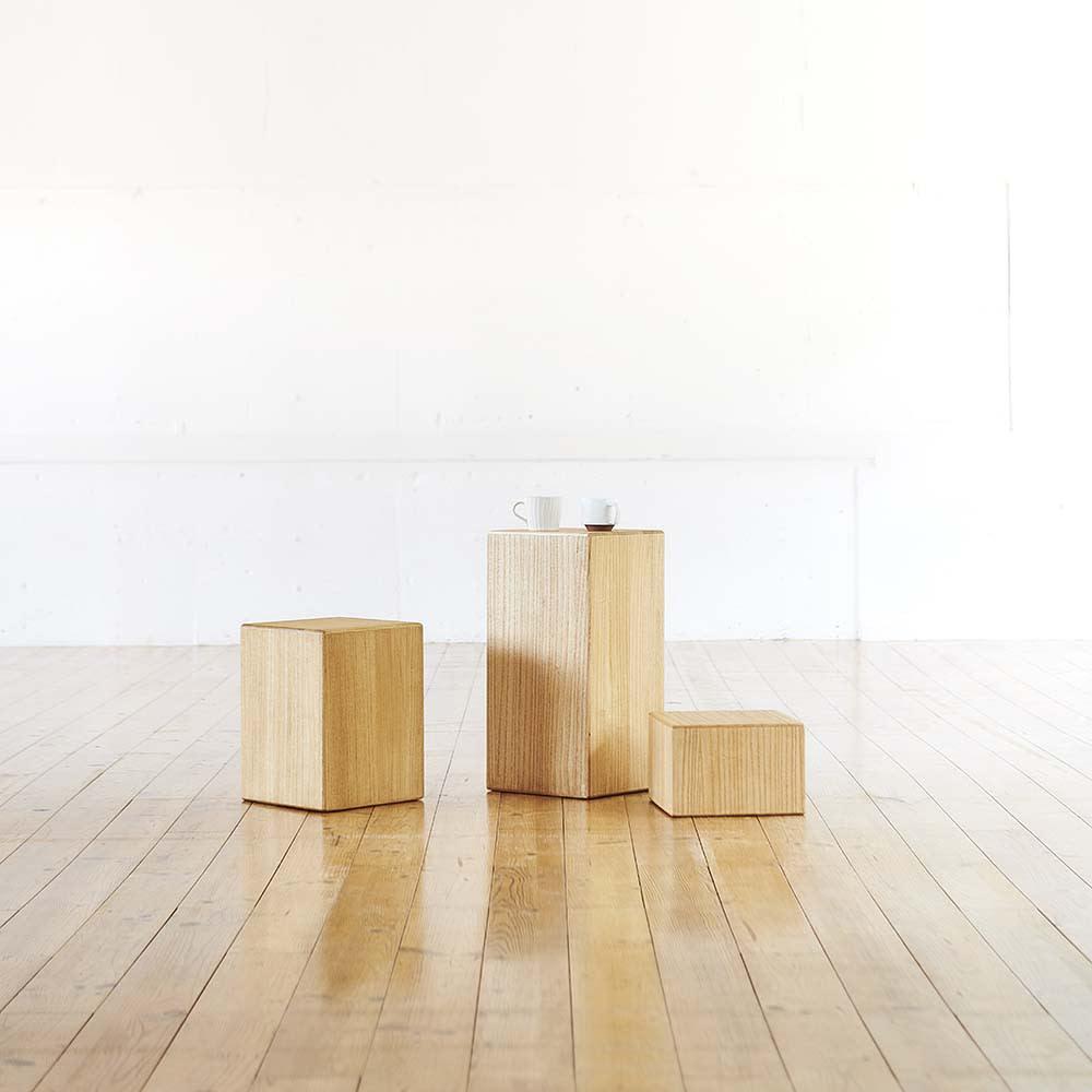かるばこ テーブル&スツール 右から 高さ20cm、高さ60cm、高さ40cm