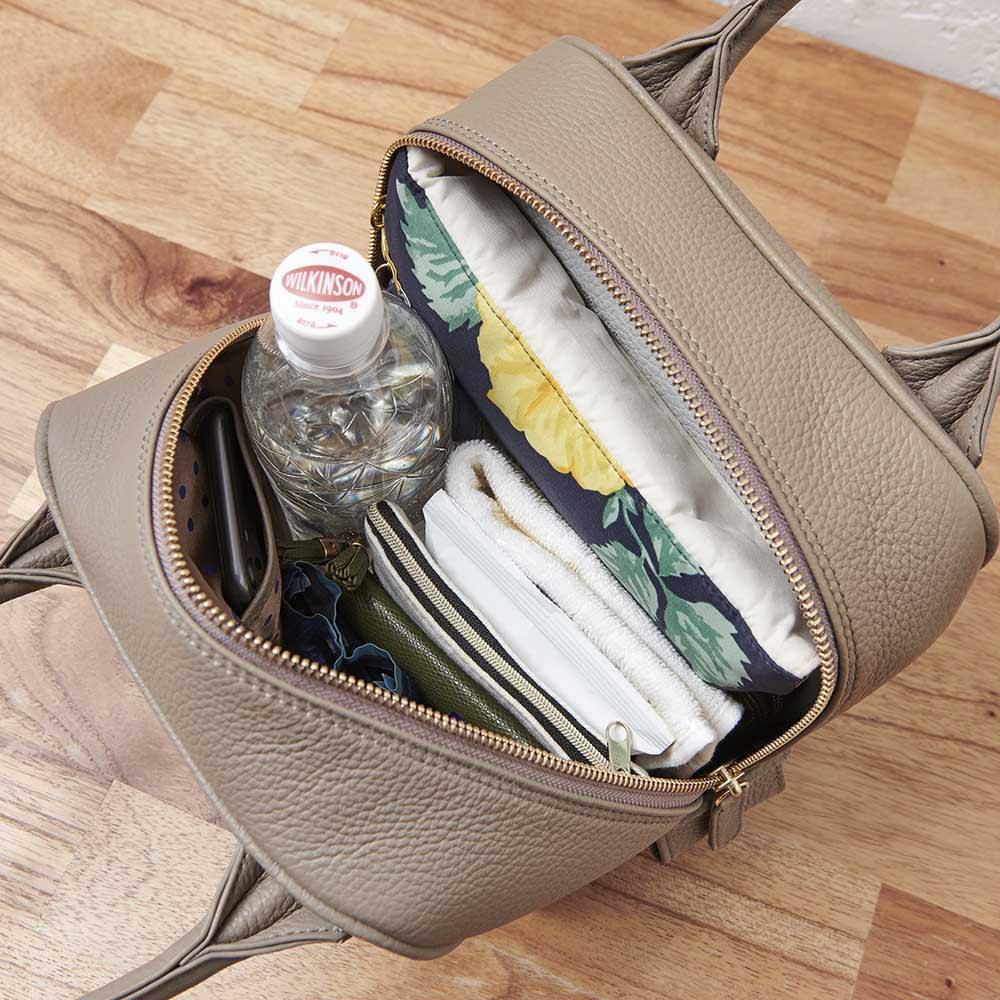 Coquette(コケット) キュービック バッグ 見た目はコンパクトでも収納力はしっかり!長財布、ポーチ、メガネケース、折りたたみ傘、ペットボトル…ここまで入ります。