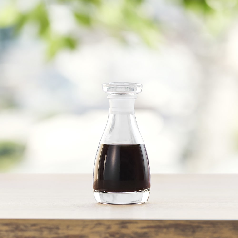 THE 醤油差し 食卓で映える機能美の醤油差し。これからの食卓の定番になりそう。